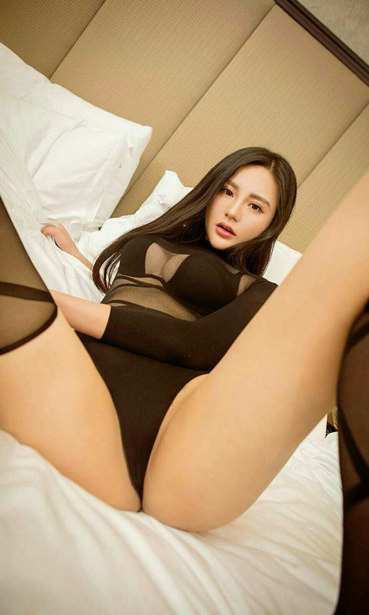 young model in tong top site