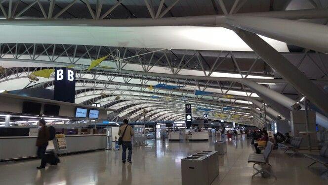 関西国際空港 (Kansai International Airport - KIX/RJBB)は泉佐野市、大阪府にあります