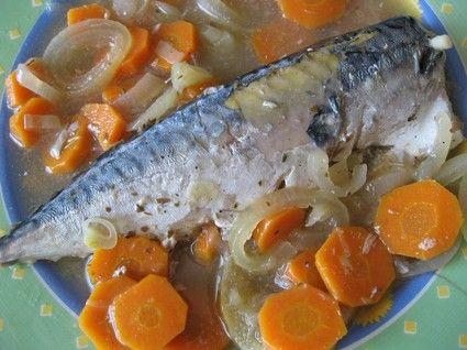 Maquereaux au vin blanc, carottes et oignon