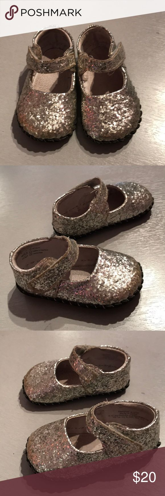 Pediped 6-12m baby shoes metallic Pediped 6-12m baby shoes metallic gently used clean condition. Consigned to my boutique. No trades pediped Shoes Baby & Walker