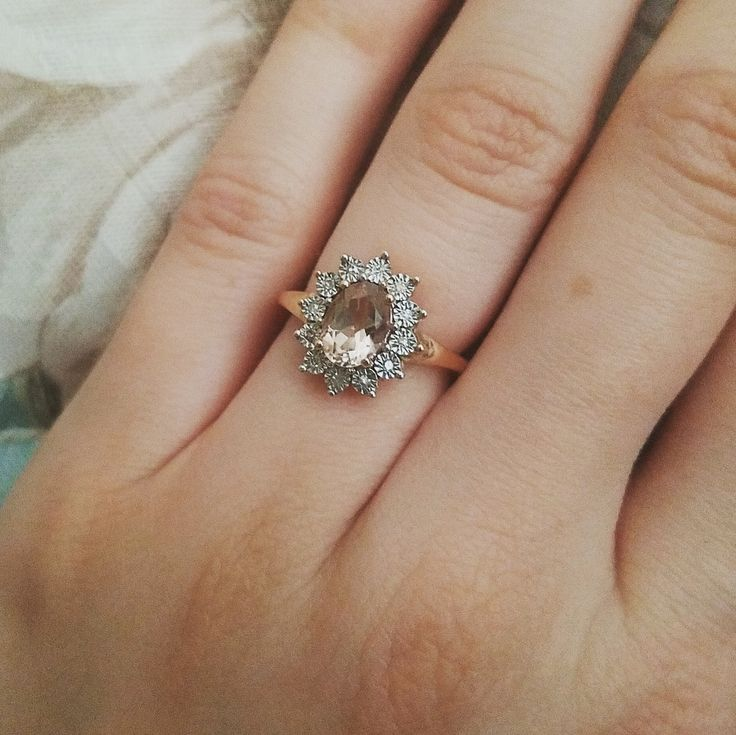 Wedding band advice: Have no idea what to do concerning one considering the design of my ring?