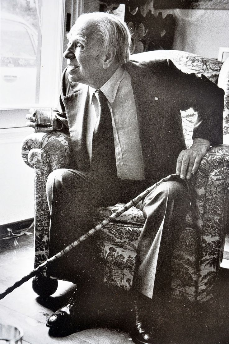Borges todo el año: Jorge Luis Borges: El juego http://borgestodoelanio.blogspot.com/2015/03/jorge-luis-borges-el-juego.html (Foto sin atribución de autor vía Casa Borges)