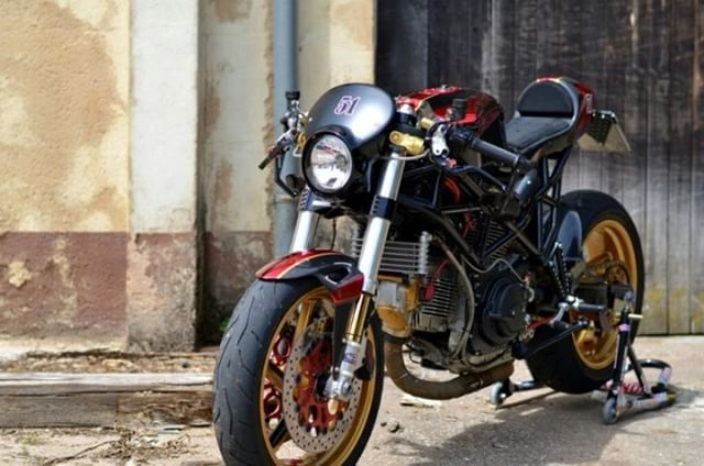 Ducati ST2 Cafe Racer #motorcycles #caferacer #motos | caferacerpasion.com