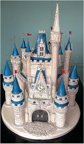 via Lynette Horner - Disney Cakes