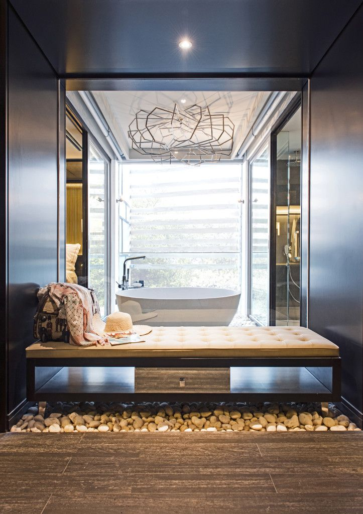 """Akyra Manor's lavish bathrooms """"bring the outside in"""" with apaiser 