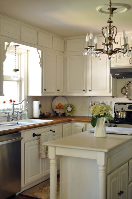 Best 25 benjamin moore linen white ideas on pinterest for Benjamin moore white paint for kitchen cabinets