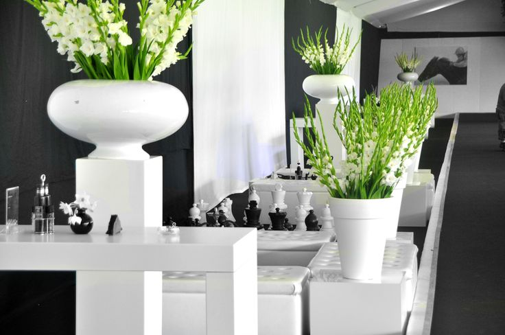 Strak witte design lounge