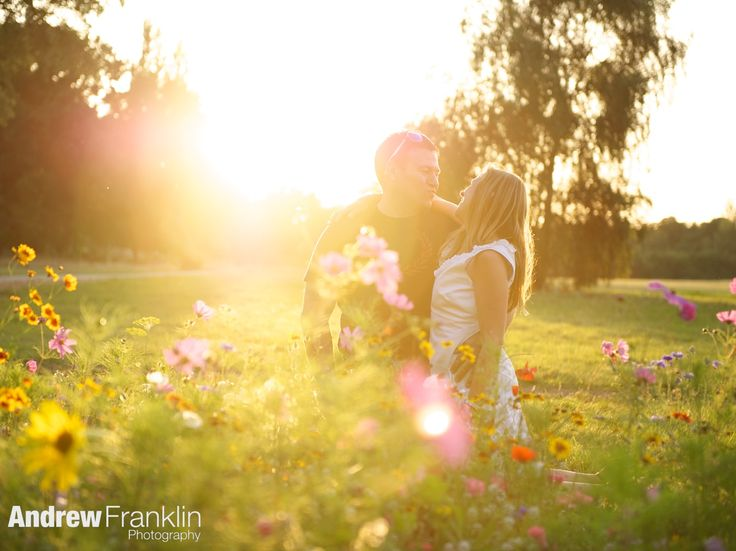 Pre wedding shoot, engagement shoot, Summer meadow, by Andrew Franklin Photography, www.andrewfranklin.co.uk