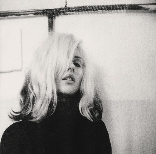 Debbie Harry... I soooo wanna be like her when I grow up. Hehe!