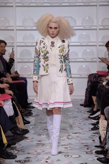 Bertrand Guyon's second Haute Couture collection for Schiaparelli - Silhouette 5