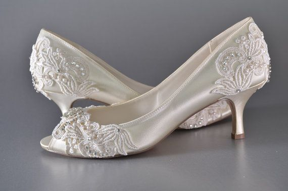Woman's Low Heel Wedding Shoes Woman's Vintage by Pink2Blue