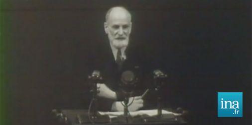 René Cassin présente la Déclaration des Droits de l'Homme à l'ONU - 1948 http://fresques.ina.fr/jalons/fiche-media/InaEdu04665/rene-cassin-presente-la-declaration-universelle-des-droits-de-l-homme-a-la-tribune-de-l-onu.html … #HumanRightsDay