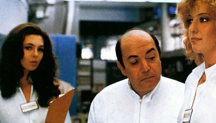 """Lino Banfi, Moana Pozzi e Francesca Viscardi in """"Vieni avanti cretino"""" (1982)"""