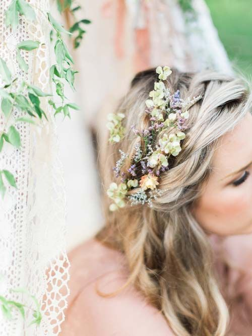 20 Wedding Hair Ideas with Flowers // Hair by Amy Chan Hair & Makeup Artistry, Photography by We Are Origami Photography