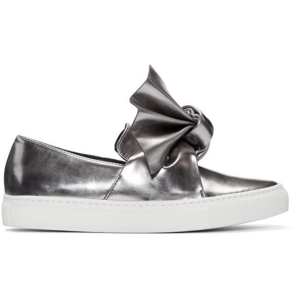 Cédric Charlier Silver Bow Slip-On Sneakers ($345) ❤ liked on Polyvore featuring shoes, sneakers, silver, silver sneakers, white sneakers, metallic shoes, slip on sneakers and slip-on shoes