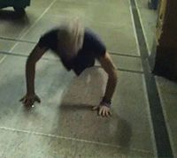 slythadorgirl:  Riker Lynch doing push ups