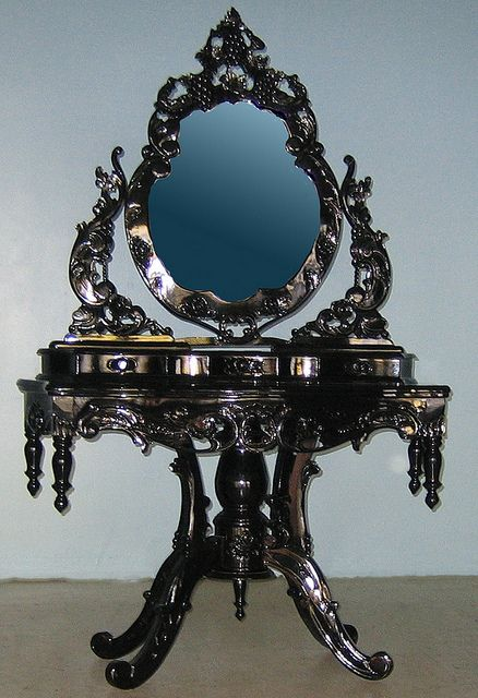 Ornate High Gloss Baroque Vanity