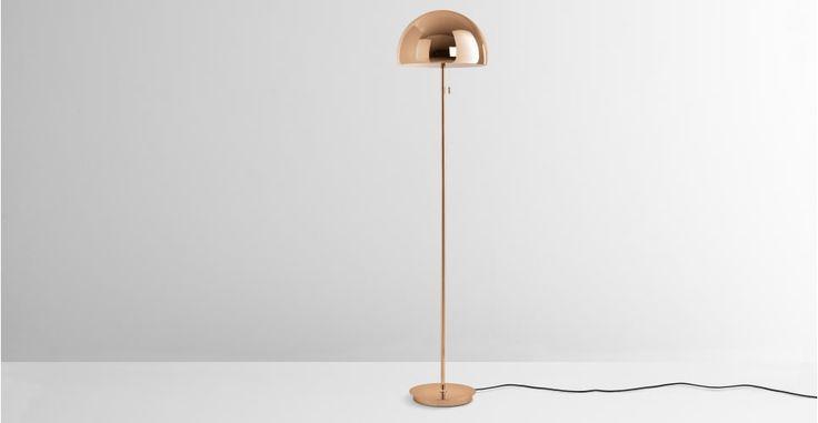les 25 meilleures id es de la cat gorie lampadaire cuivre. Black Bedroom Furniture Sets. Home Design Ideas