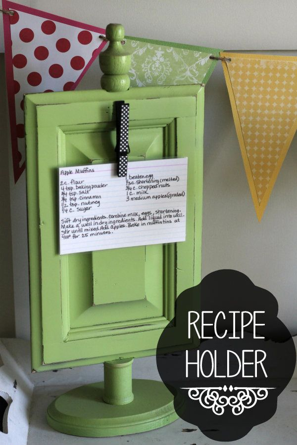 Recipe Holder Tutorial on { lilluna.com }. Could hold pictures too!