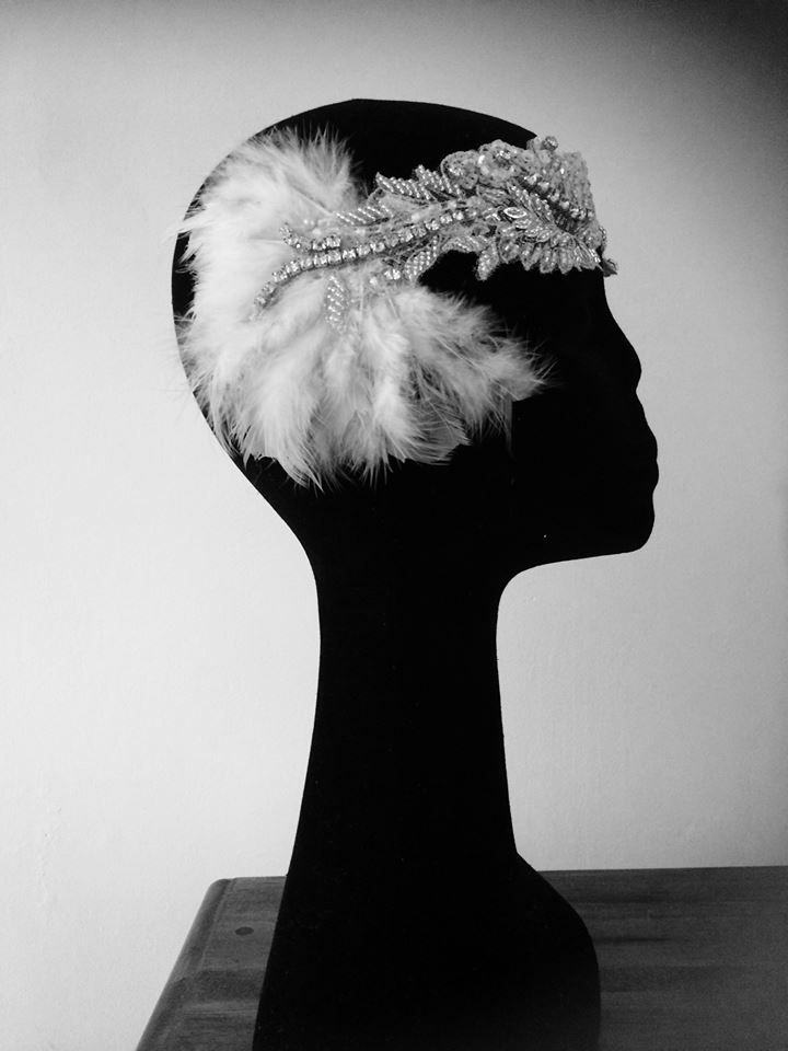 1920s headband with diamonte and feather detail