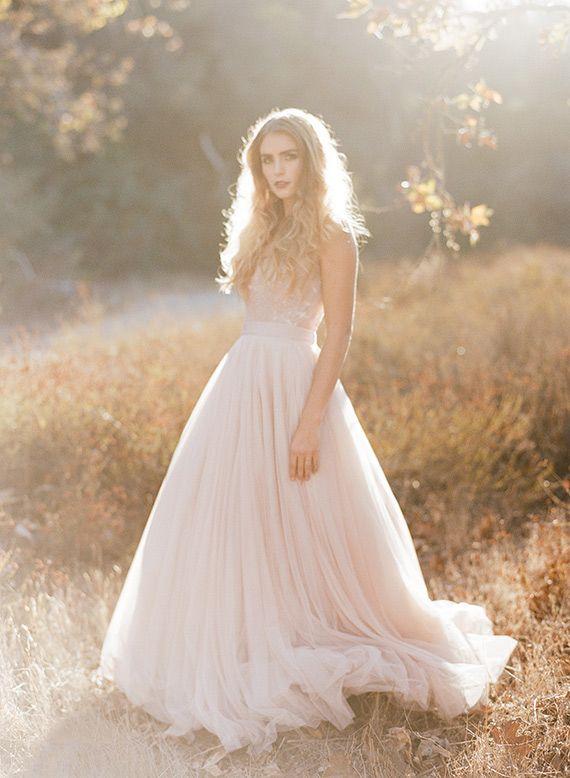 Soft pink fall wedding inspiration | morgan lamkin photography #callmemadame #weddingdress #wedding #weddinggown