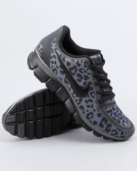 black leopard nike running shoes