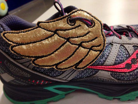 Superpuissance personnalisé inspiré des ailes de chaussure de course or
