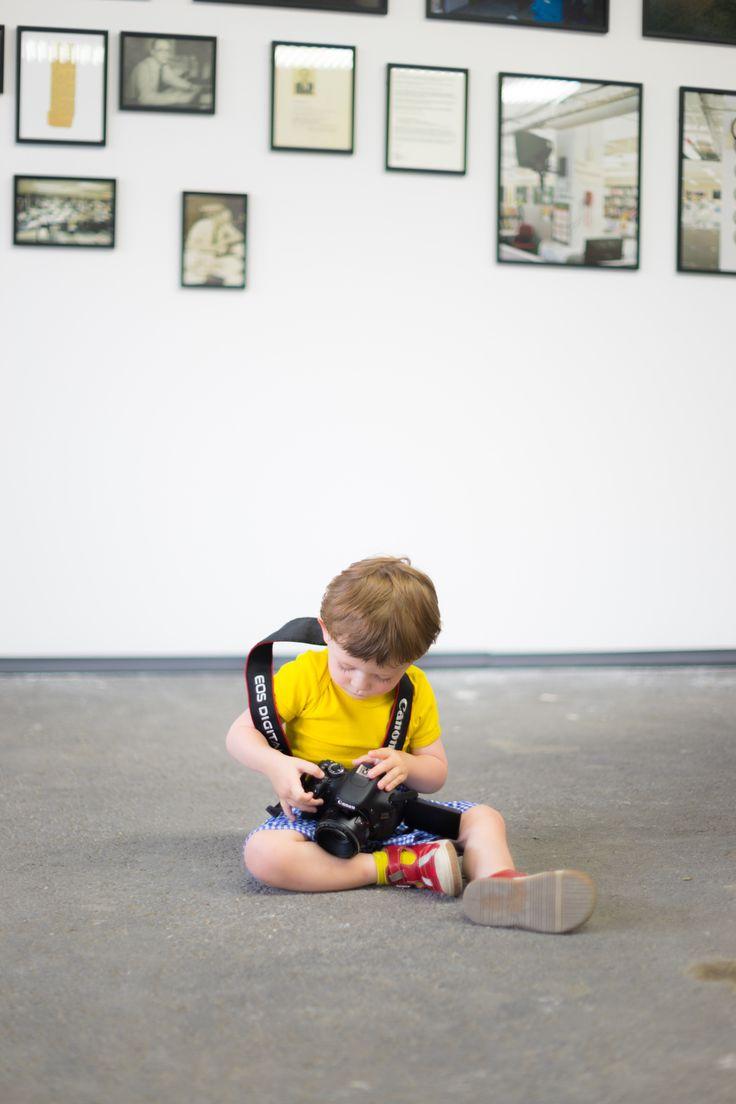 Le petit photographe aux rencontres d'Arles by Gilles Bihan / 500px