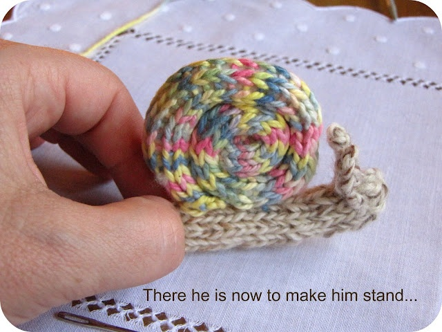 Knitted Snail Pattern Tutorial | Diy knitting, Knitted ...