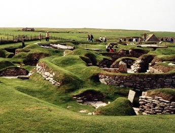 Skara Brae.  A neolithic village discovered in Orkney.: Orkney Islands, Places We D, Amazing Places, Neolith Cities, Skara Brae, Bogomip Dots, Dots Net, Brae Settlement, Scara Brae