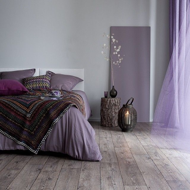 paars - interieur - styling - purple - textile - bed
