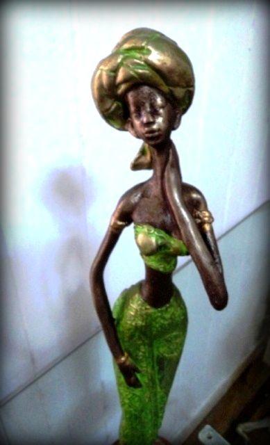 Distintos diseños de figuras de africanas