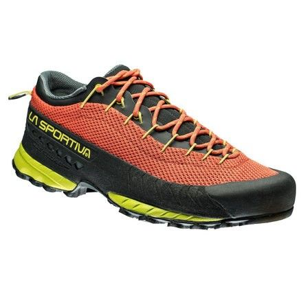 TX3: A shoe for rapid approach routes, part of the Traverse X series: designed for approach routes and multi-function use on mixed terrain in the mountains. The shoe offers the perfect combination of protection, lightweight and breathability thanks to the mesh uppers.