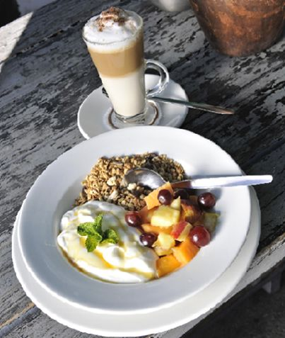 """Our thanks to SoniaKirk from Cape Town for her super review!  """"Breakfast a must""""  Parking a prob on a good weekend day. And the wait can be a pain if really hungry, But a well worth wait, Some great breakfast dishes, Great place to take doggies too, Romantic at night."""