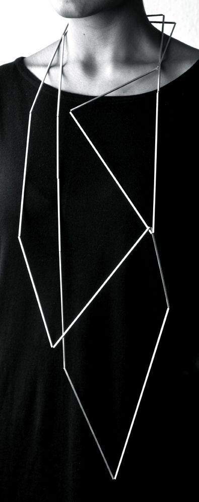 Ute Decker   Articulation Neck Sculpture