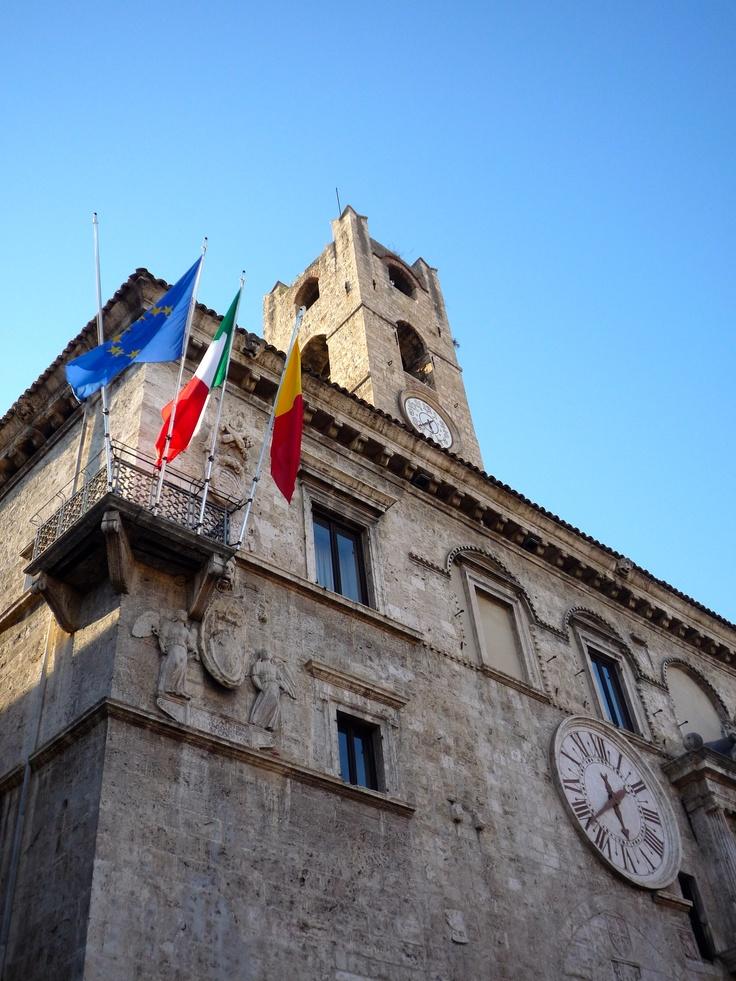 Palazzo dei Capitani, Ascoli Piceno photo by Montalbini R