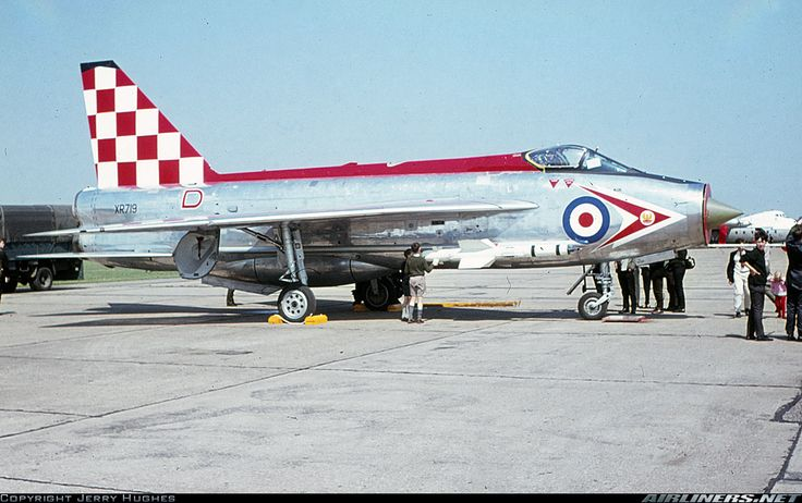 English Electric Lightning F.3 aircraft picture