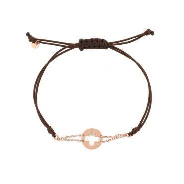 Ιδιαίτερο γυναικείο βραχιόλι με στρογγυλό σταυρό ροζ χρυσό Κ14 με διαμάντι, περασμένο σε διπλή αλυσίδα & καφέ κορδόνι | Βραχιόλια ΤΣΑΛΔΑΡΗΣ στο Χαλάνδρι #σταυρος #διαμαντι #χρυσο #υφασμα #βραχιολι