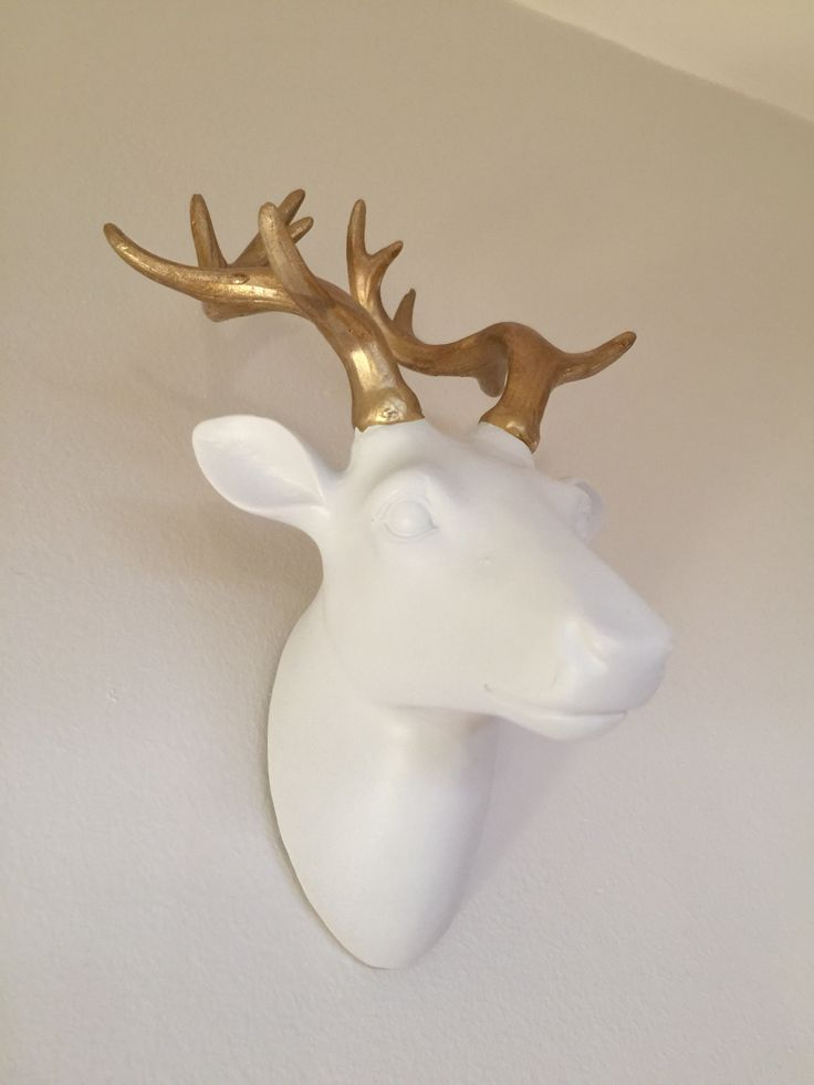 Cerf. Or.