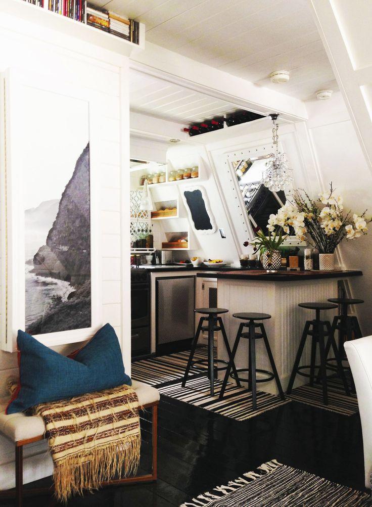 El antes y el después de la decoración de una cocina sin armarios superiores