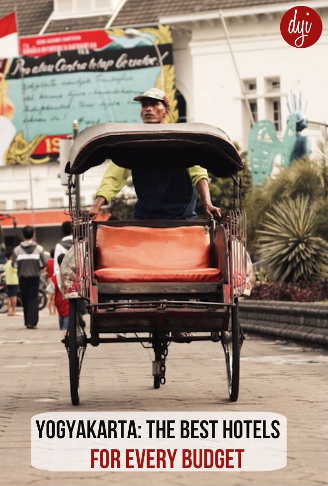 A list of the best hotels for every budget (ranging form backpacker through to five star) close to the famous road of Malioboro in Yogyakarta.