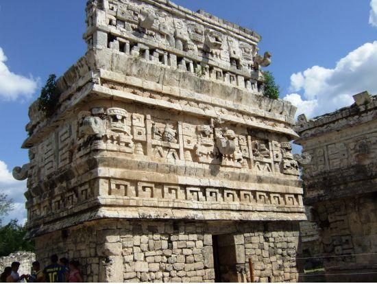 マヤ遺跡 - Google 検索