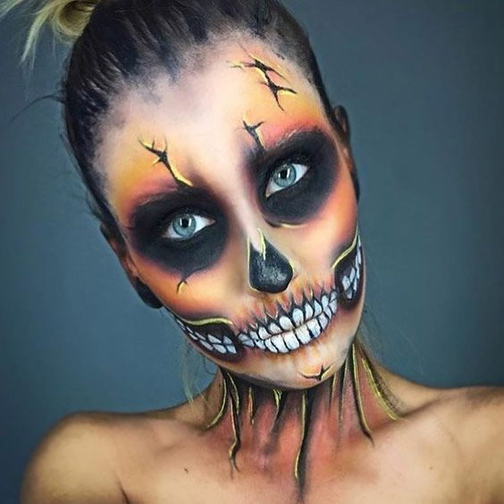 Are you in the market for some new Halloween makeup ideas? We have put together a list of 27 awesome and creepy makeup looks that will certainly turn heads! #makeup #makeuplover #makeupjunkie #halloweenmakeup