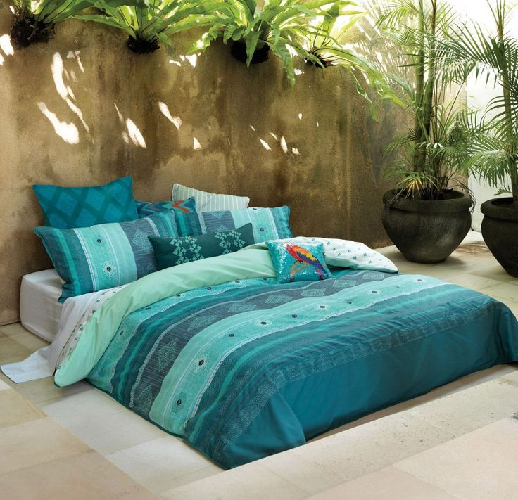 Bedroom : The Marvelous Bed Sets With Turquoise Bed Linen Together With Printed Design As Well As Tropical Color Also With Horizontal Borders Plus Modern Carpet On The Floor Designing The Comfortable Bed Linens Green. Twin. Spanish. #ModernBedSheets #ModernBedLinen