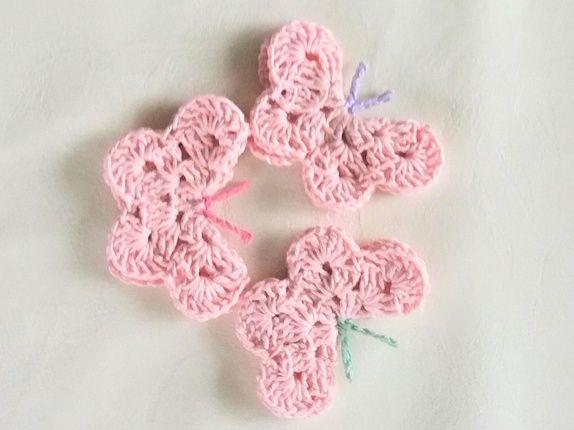 1 Sett m/3 hekla sommerfugler i lys rosa..