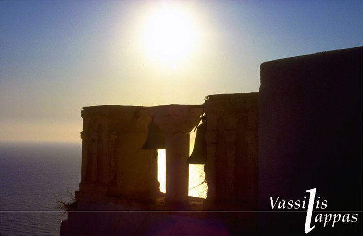 ΤΟ ΣΤΕΚΙ ΤΗΣ ΚΑΘΗΜΕΡΙΝΟΤΗΤΑΣ: ΣΑΝΤΟΡΙΝΗ ή Καλλίστη ή Στρογγύλη - Η φυσική ομορφιά της Ελληνικής γής