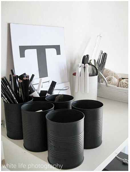 Recycled cans as organizers- love the matte black paint. chalk paint might look great: Idea, Recycled Cans, Offices Spaces, Black And White, Chalkboards Paintings, Paintings Cans, Matte Black, Tins Cans, Crafts