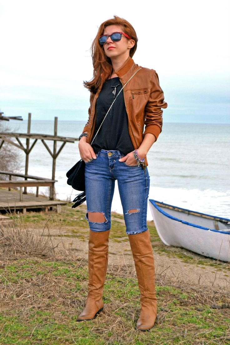 Womens Brown Leather Bomber Jacket, Black Crew-Neck T -7736