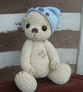 'Osito' Spanish meaning Panda Bear or Teddy Bear.... I would love to make this but have not been able to find the pattern!! :(