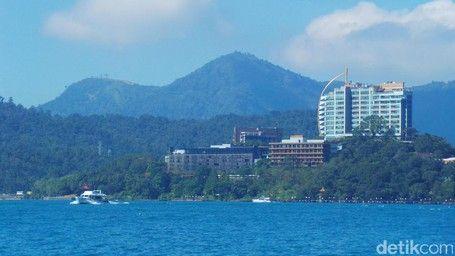 Danau Super Biru Nan Indah Buat Liburan Akhir Tahun Ke Taiwan - http://darwinchai.com/traveling/danau-super-biru-nan-indah-buat-liburan-akhir-tahun-ke-taiwan/